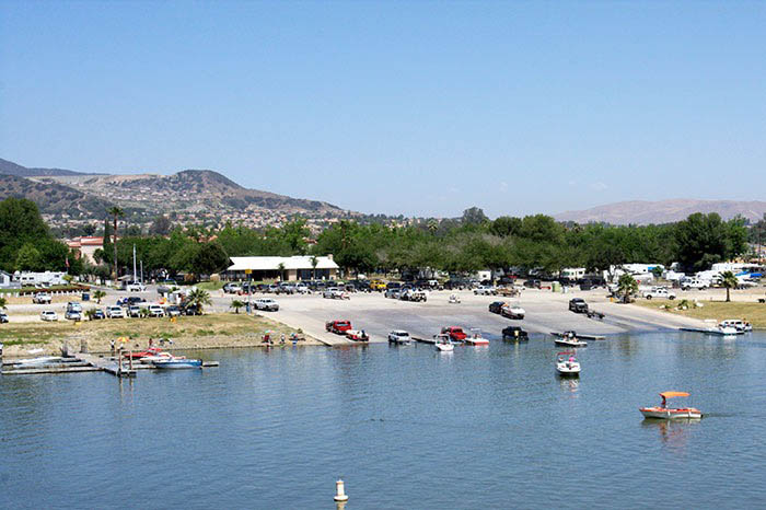travel trailer camping lake elsinore CA